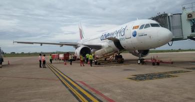 ஒன்றரை வருடங்களுக்கு பின்பு இன்று Srilankan Airline landed in Madurai Airport
